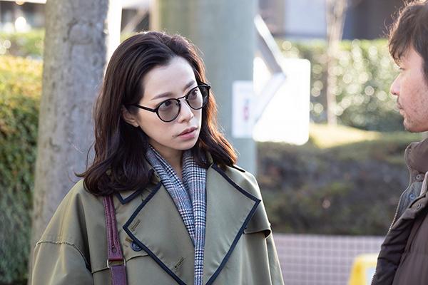 山口紗弥加さんの怪演ぶりが話題となっているオトナの土ドラ『絶対正義』(毎週土曜日23時40分~24時35分)。明日23日に4話が放送されます。